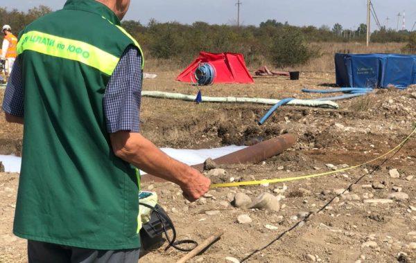 Отбор проб сточной и природной воды специалистами филиала ЦЛАТИ по Чеченской Республике.